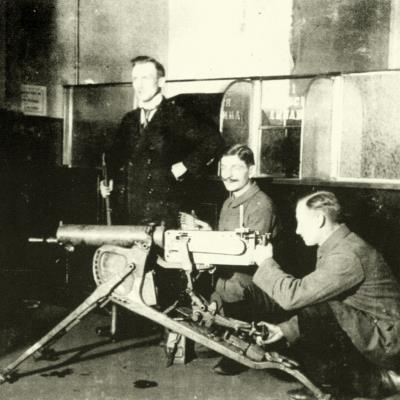 Arbeiter mit MG2