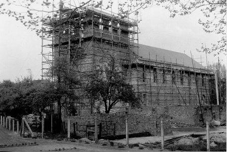 Bau der St Barbarakirche ca 1952