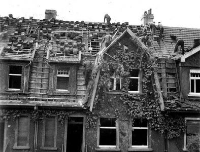 Haus nach einem Bombenangriff (1)